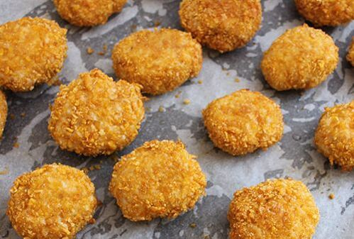 Homemade Chicken Nuggets - easy to make, easy to bake